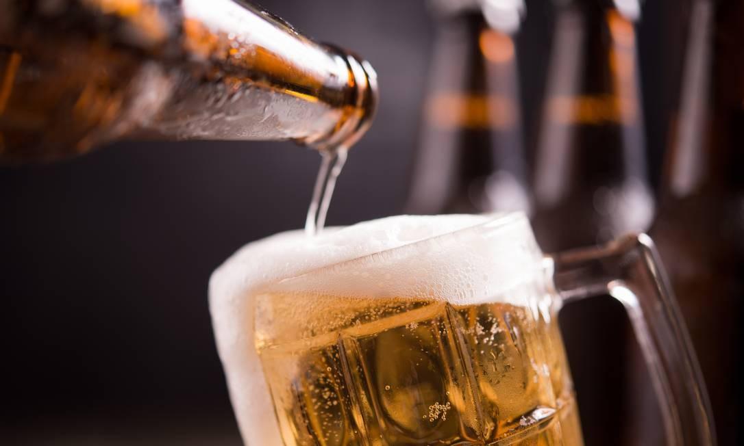 Taxação de bebidas, como a cerveja, pode ser solução para fechar as contas da reforma tributária Foto: Freepik