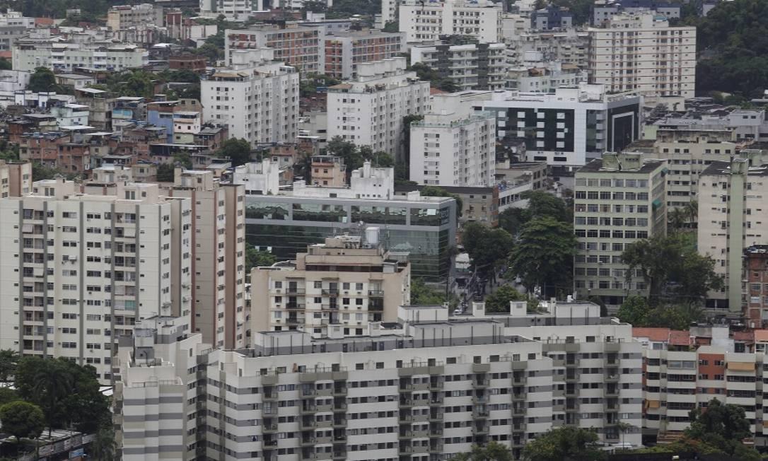 Prédios em Jacarepaguá: desentendimentos aumentaram com a pandemia e a quarententa. Foto: Guilherme Pinto / Agência O Globo