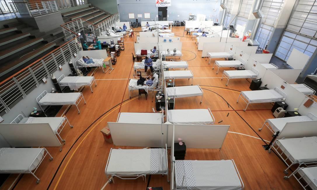 Camas em um hospital de campanha na Cidade do Cabo, no dia 21 de julho Foto: Mike Hutchings / REUTERS