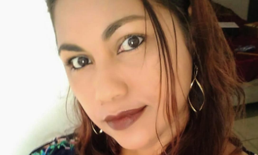 Gilmara foi encontrada morta na casa onde trabalhava, em Jacarepaguá: médico afirmou à família que cozinheira foi asfixiada Foto: Reprodução