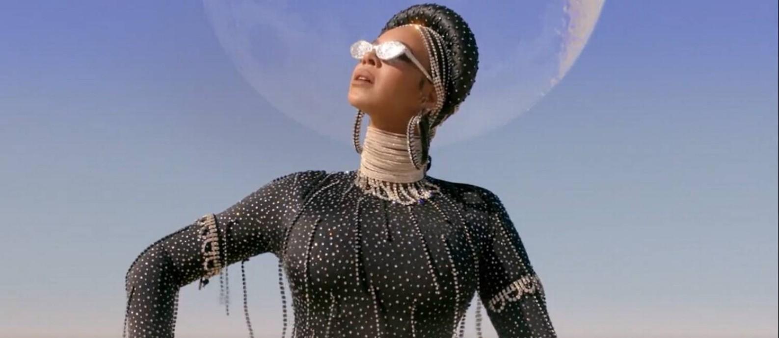 """A cantora Beyoncé em cena do seu álbum visual """"Black is king"""" Foto: Reprodução da internet"""