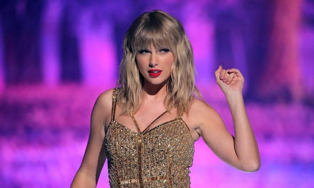 Taylor Swift bateu vários recordes com seu novo álbum, 'Foklore', lançado de surpresa durante a pandemia do novo coronavírus Foto: Divulgação