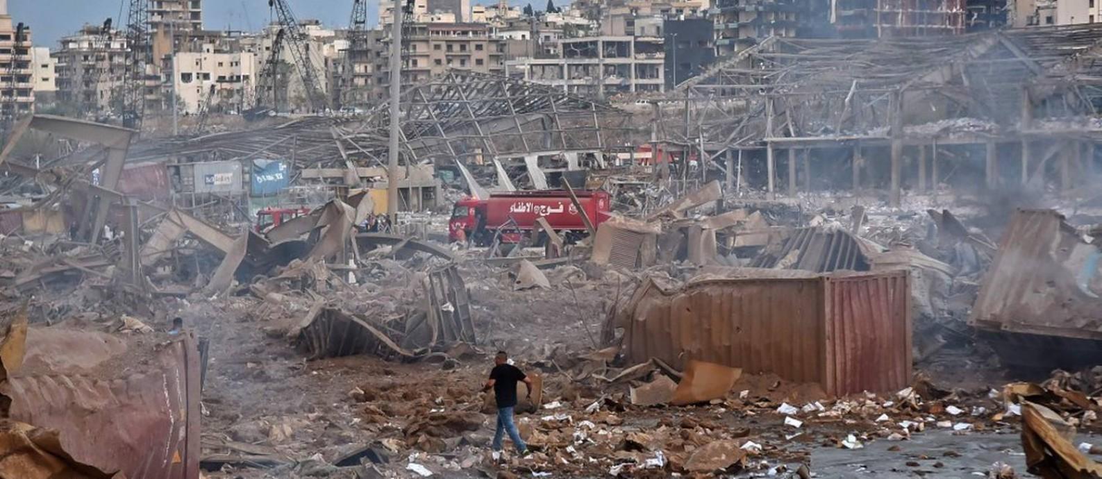 Prédios destruídos após explosão em Beirute: dezenas de pessoas morreram e milhares ficaram feridas Foto: STR / AFP