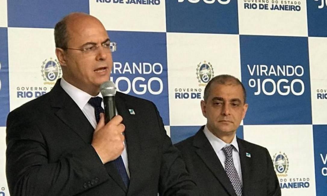 Governador Wilson Witzel com o então secretário de Saúde, Edmar Santos Foto: Vera Araújo / Infoglobo