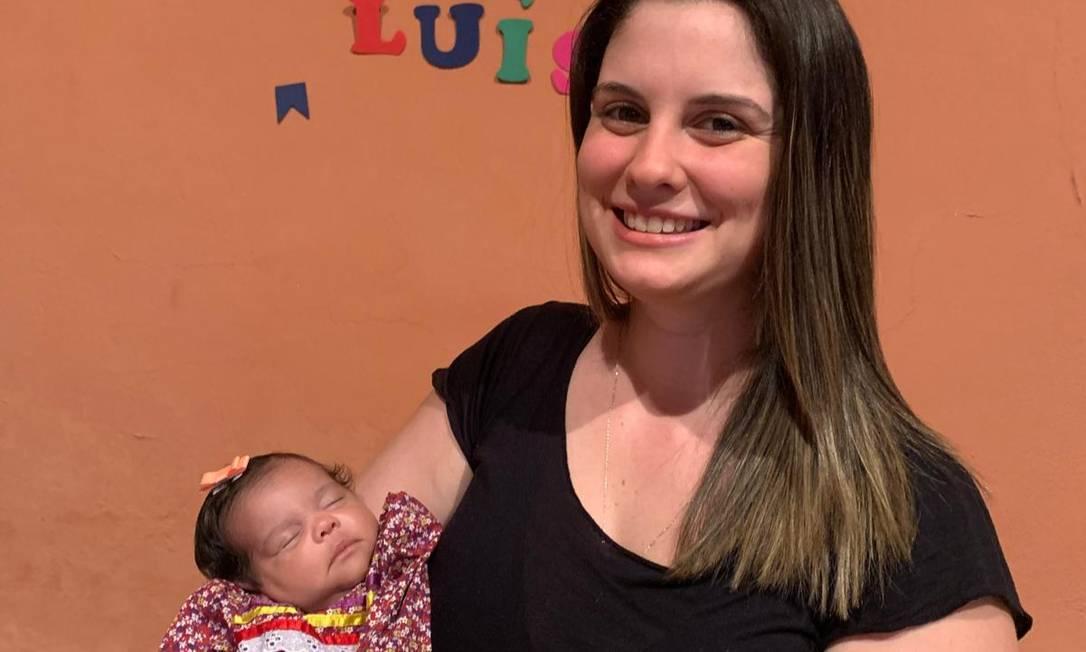Laura e a filha, Luísa, que nasceu em junho Foto: Acervo Pessoal