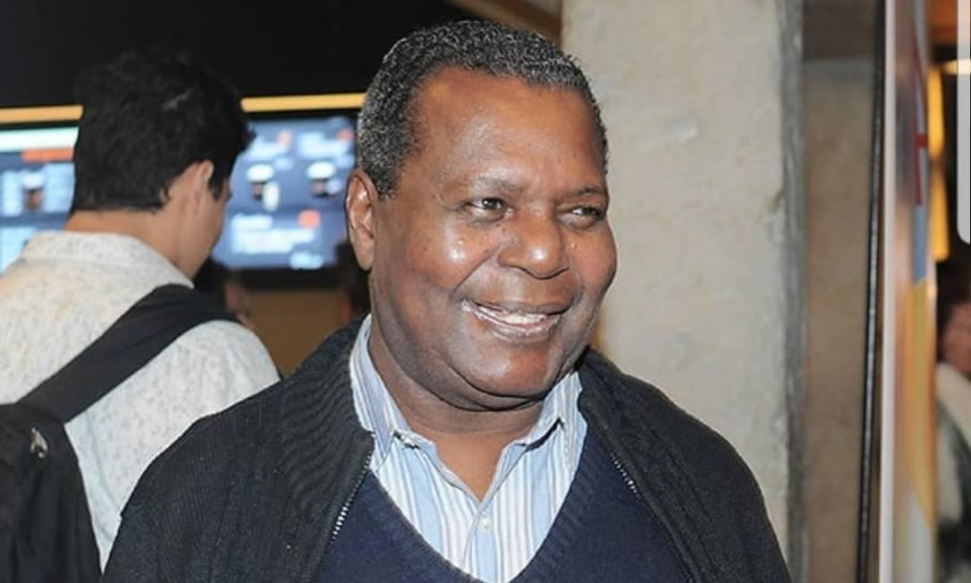 Ator Gésio Amadeu foi vítima da Covid-19 em agosto de 2020. Ele ficou nacionalmente conhecido vivendo o chef Chico, na primeira versão da novela Chiquititas, do SBT Foto: Divulgação