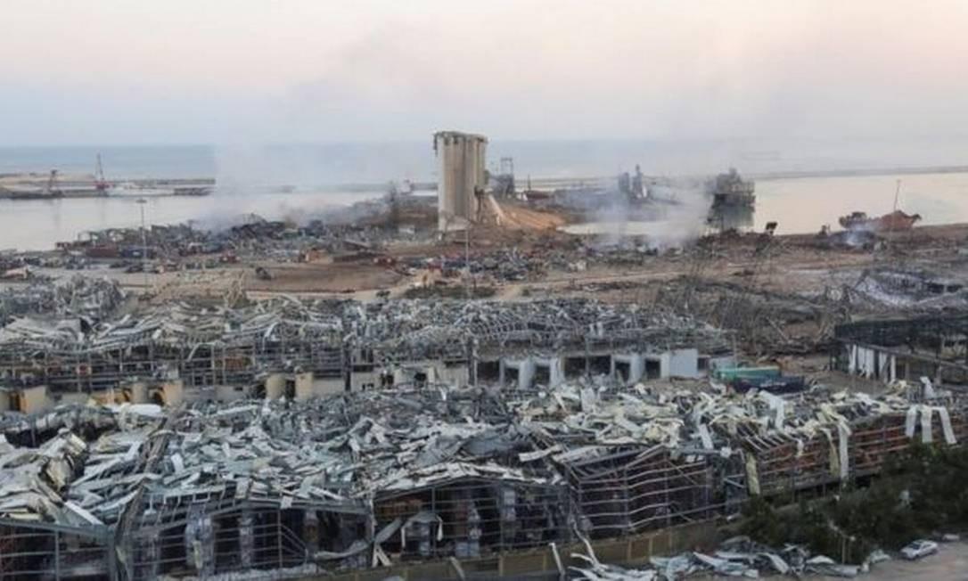 O porto de Beirute, após a destruição causada pela explosão Foto: Reuters