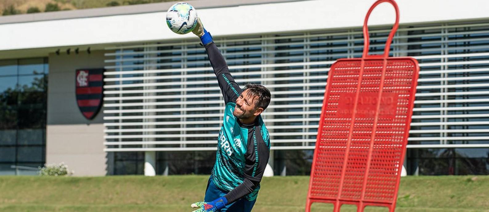Diego Alves é prioridade na renovação, mas conversas começam semana que vem Foto: Divulgação