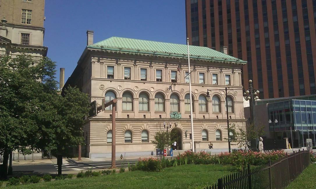 Biblioteca Pública de Newark, para a qual o escritor doou US$ 2 milhões Foto: Divulgação