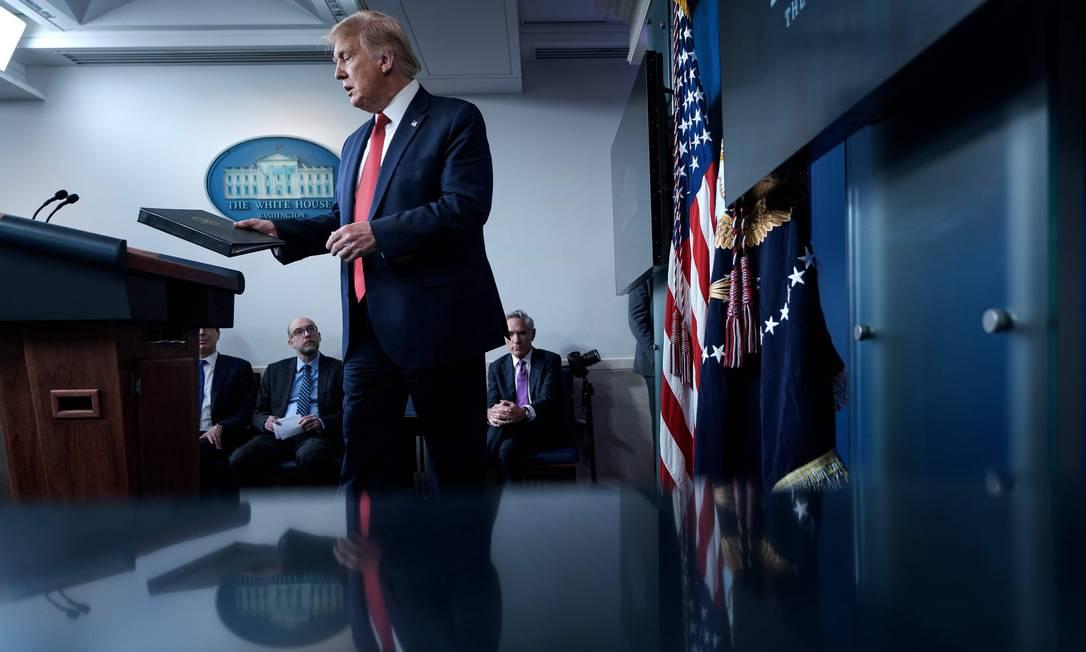 O presidente Donald Trump durante entrevista coletiva na Casa Branca Foto: BRENDAN SMIALOWSKI / AFP