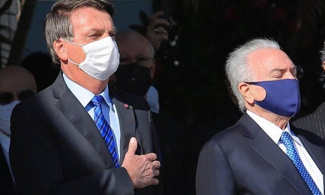 Jair Bolsonaro e Michel Temer, que vai chefiar equipe de ajuda humanitária no Líbano Foto: Edilson Dantas / Agência O Globo