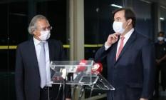 Paulo Guedes e Rodrigo Maia após a reunião com o presidente Bolsonaro. Foto: Jorge William / Jorge William