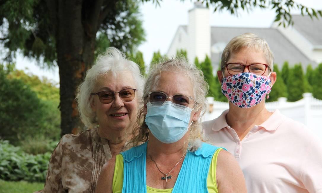 As irmãs Fran (à esquerda), Sarah e Mary em Hanover, na Pensilvânia, aonde o presidente enviou a nora, Lara, para percorrer o estado numa blitz eleitoral com foco no voto feminino Foto: Paola De Orte