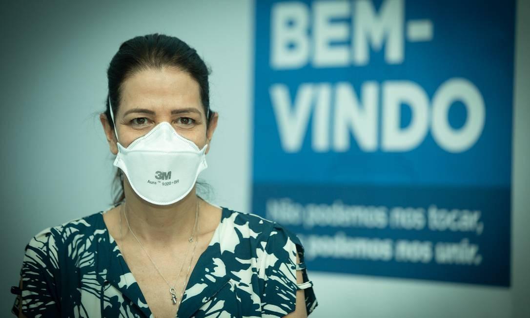 Despedida: Beatriz manteve o contato com pacientes que já tiveram alta Foto: Roberto Moreyra / Agência O Globo