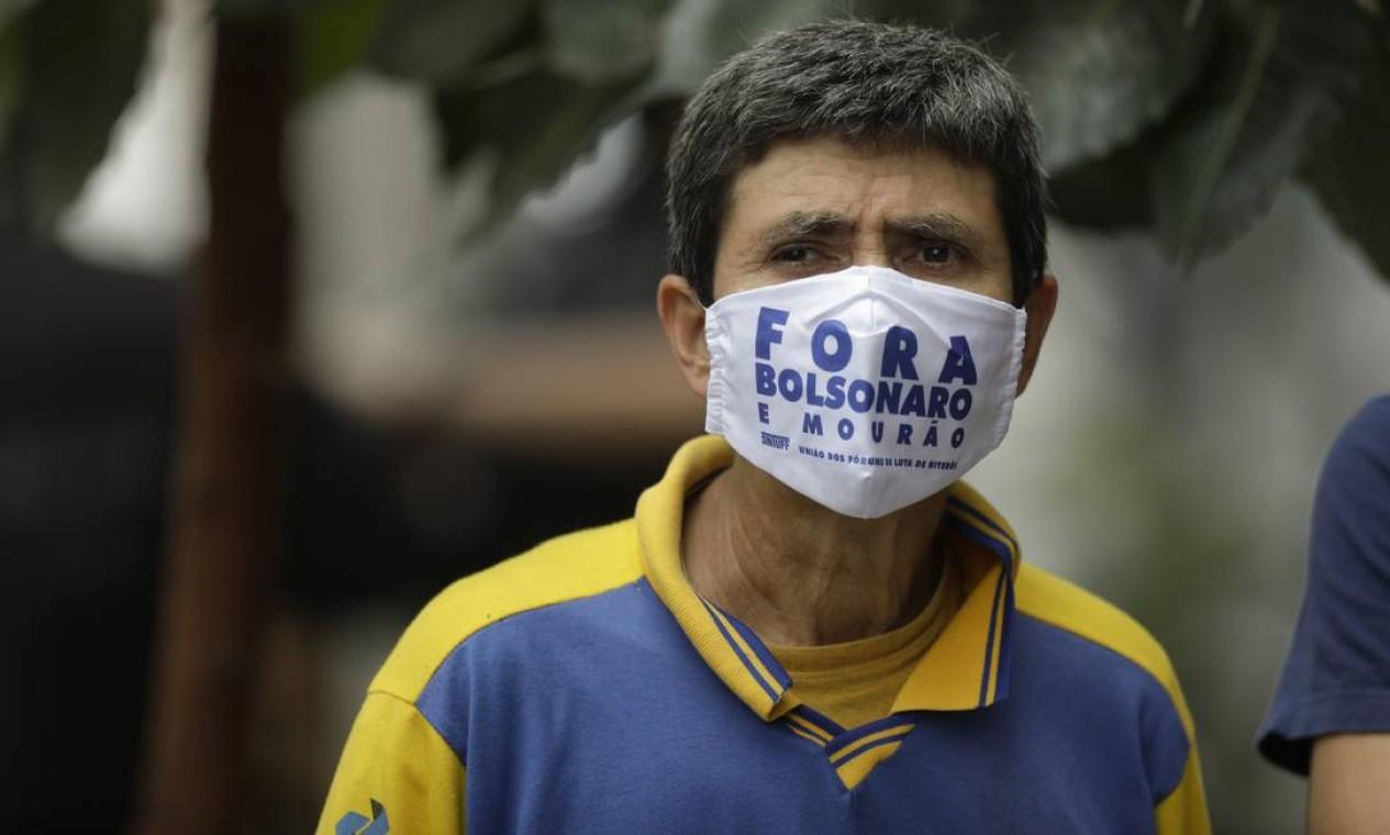 """Grevistas são contra a privatização da estatal e reclamam do que chamam de """"negligência com a saúde dos trabalhadores"""" durante a pandemia do novo coronavírus Foto: Gabriel de Paiva / Agência O Globo"""