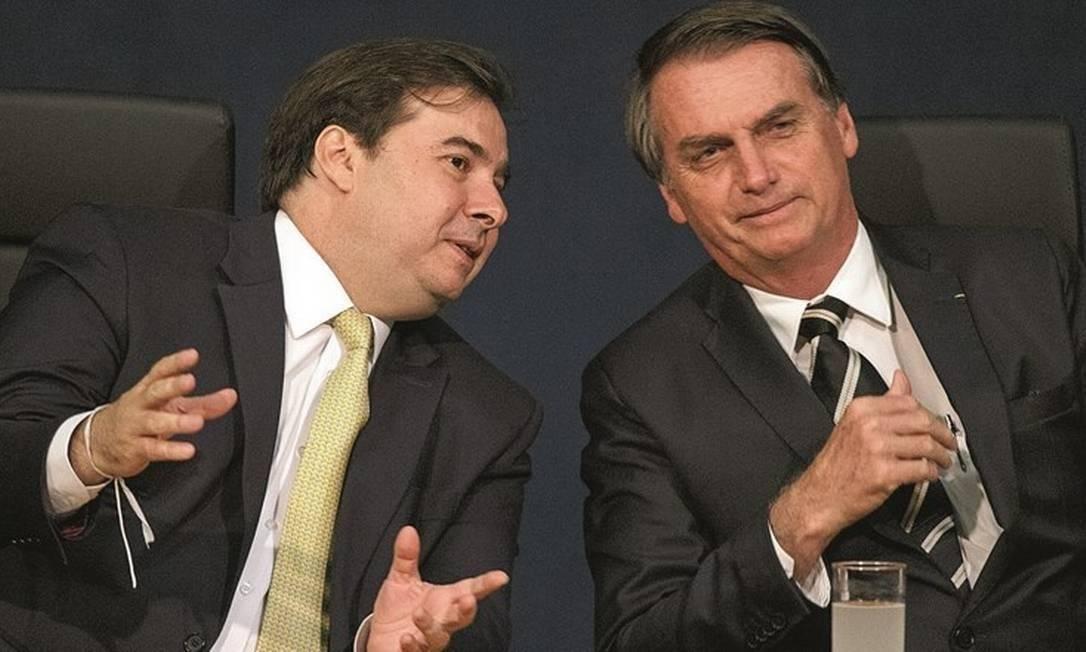 Legislativo e Executivo: o deputado Rodrigo Maia e o presidente Jair Bolsonaro Foto: Daniel Marenco / Agência O Globo