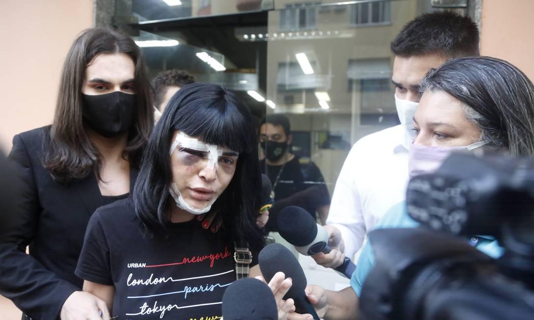 Alice Felis prestou depoimento na 13ª DP, em Copacabana Foto: Fabio Rossi / Agência O Globo