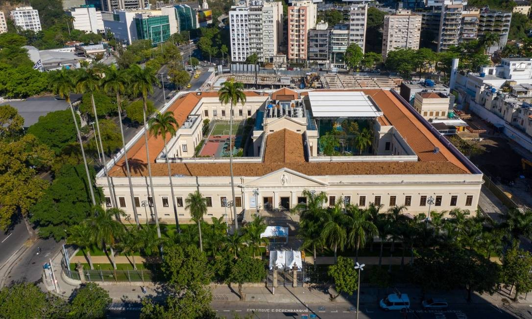 Colégio Eleva, em Botafogo, planeja retomar as atividades gradualmente: rede tem treinado a equipe nos protocolos de segurança Foto: Brenno Carvalho / Agência O Globo