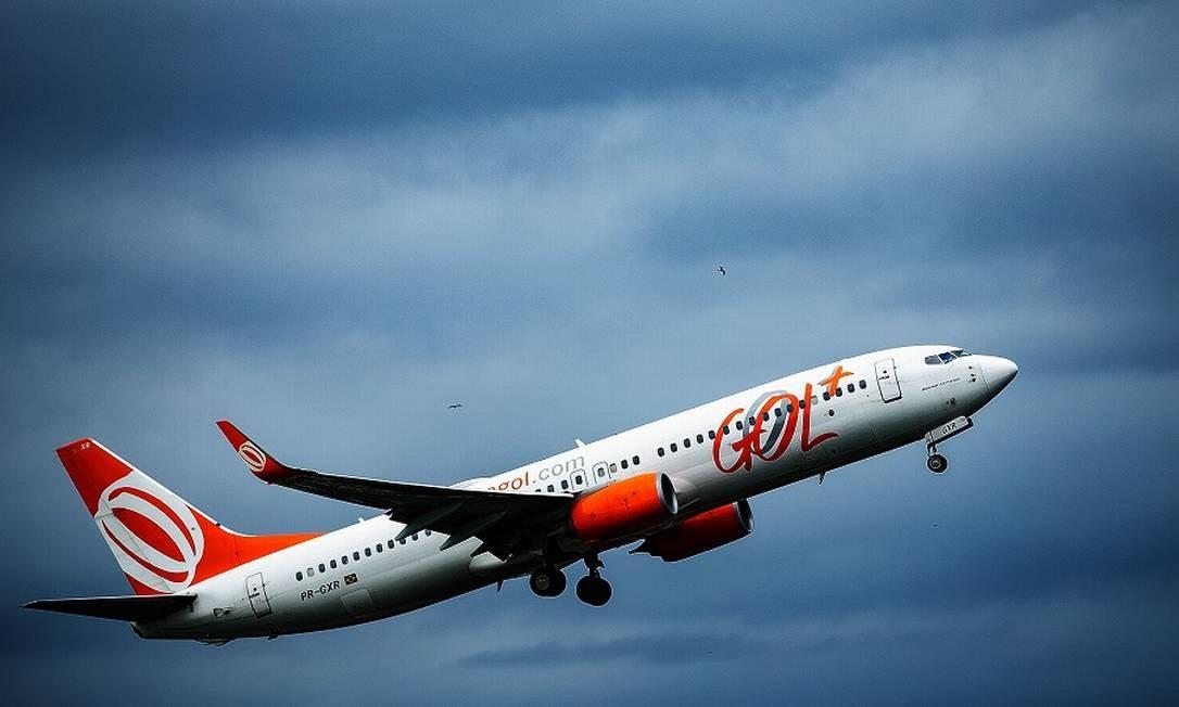 Avião da Gol; companhia tem situação financeira mais delicada que a da Azul Foto: Roberto Moreyra / Agência O Globo