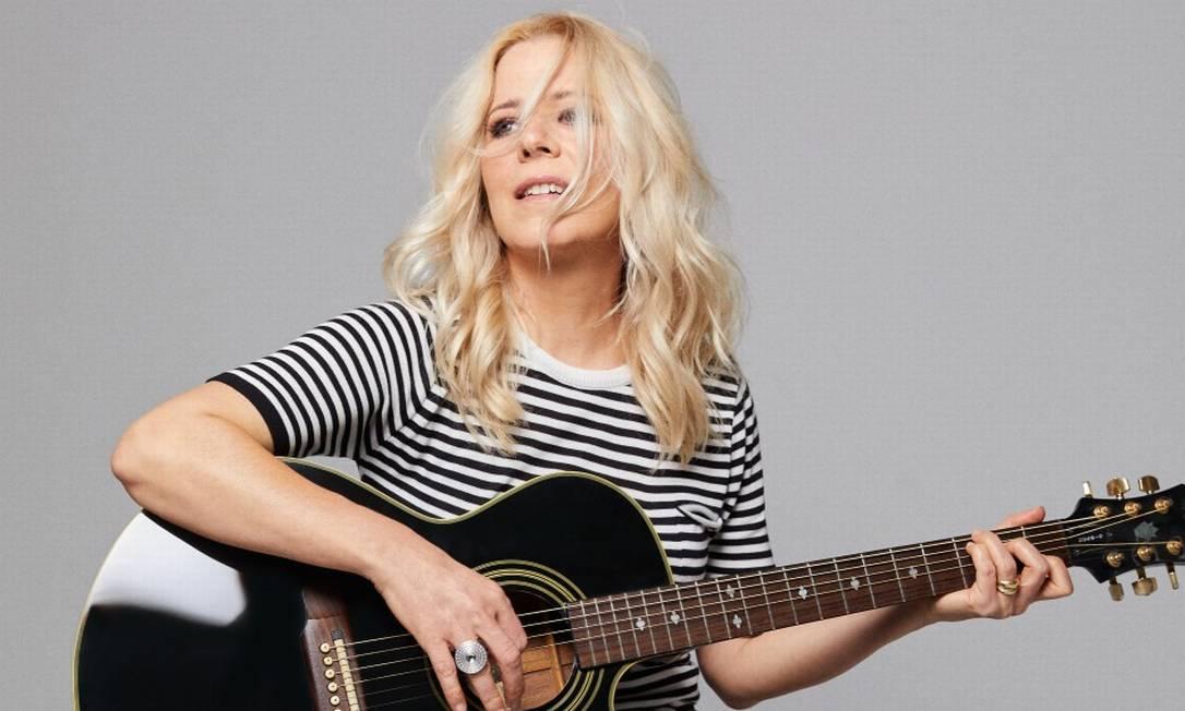 Paula Toller: aulas de violão na quarentena Foto: Pedro Loreto;styling A-Produção