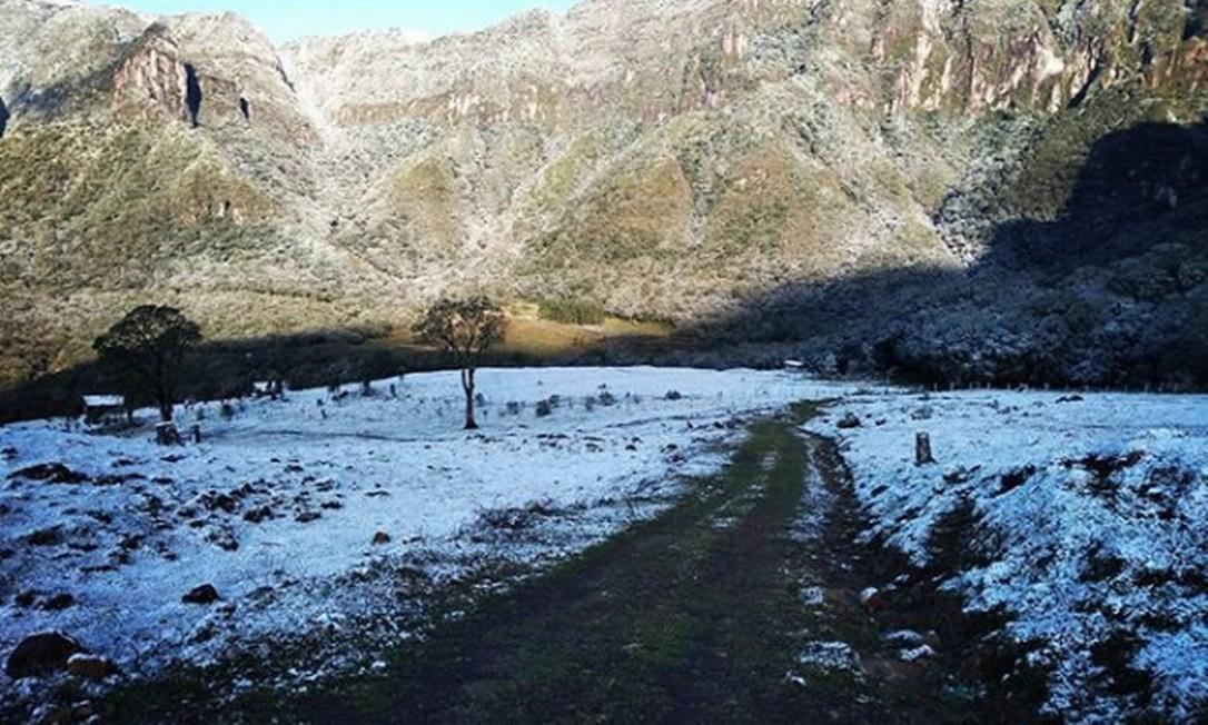 Neve no município de Anitápolis, em Santa Catarina Foto: Reprodução