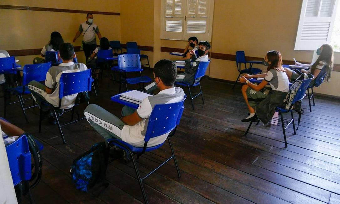 Estudantes em escola pública de Manaus: controvérsia. Foto: Fotoarena / Agência O Globo