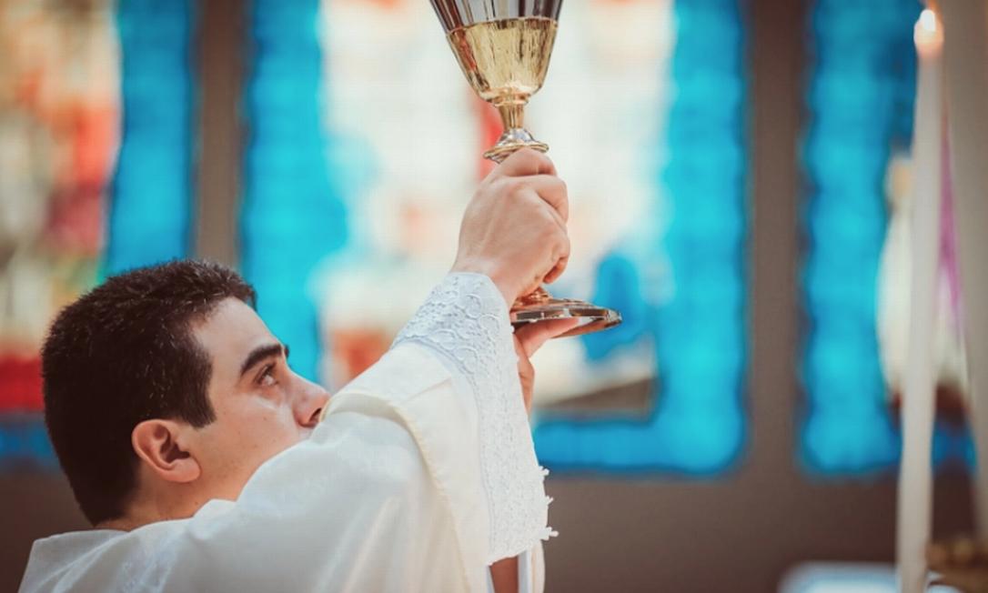 Padre Robson é suspeito de desviar R$ 60 milhões doados por fiéis do Santuário Pai Eterno Foto: Divulgação
