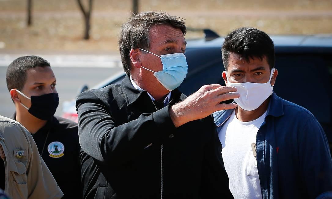 Bolsonaro disse ter vontade de 'dar porrada' em jornalista do GLOBO ao ser perguntado sobre cheques de Queiroz Foto: Pablo Jacob / Agência O Globo