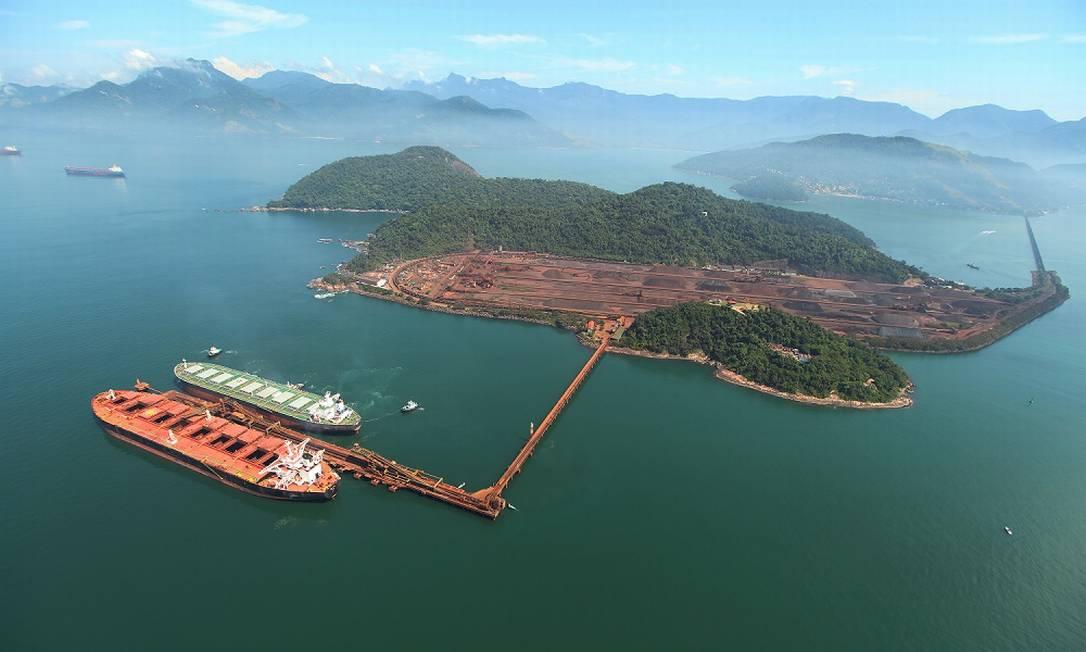 Terminal da Vale da Ilha Guaíba, na Baía de Sepetiba, em Mangaratiba, no Rio de Janeiro, terá sistema de baterias da Tesla para gerar energia elétrica Foto: Divulgação