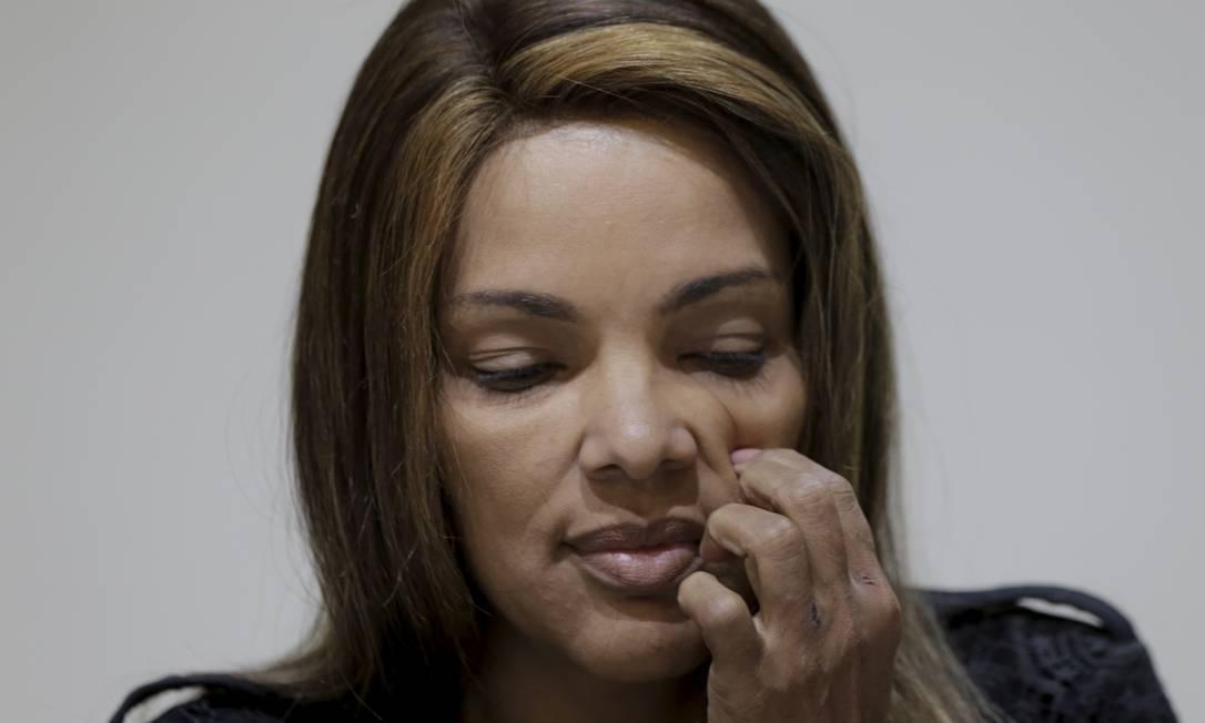 Flordelis durante coletiva de imprensa organizada por ela no dia 25 de junho de 2019, nove dias após a morte de Anderson Foto: Marcelo Theobald em 25-6-2019 / Agência O Globo