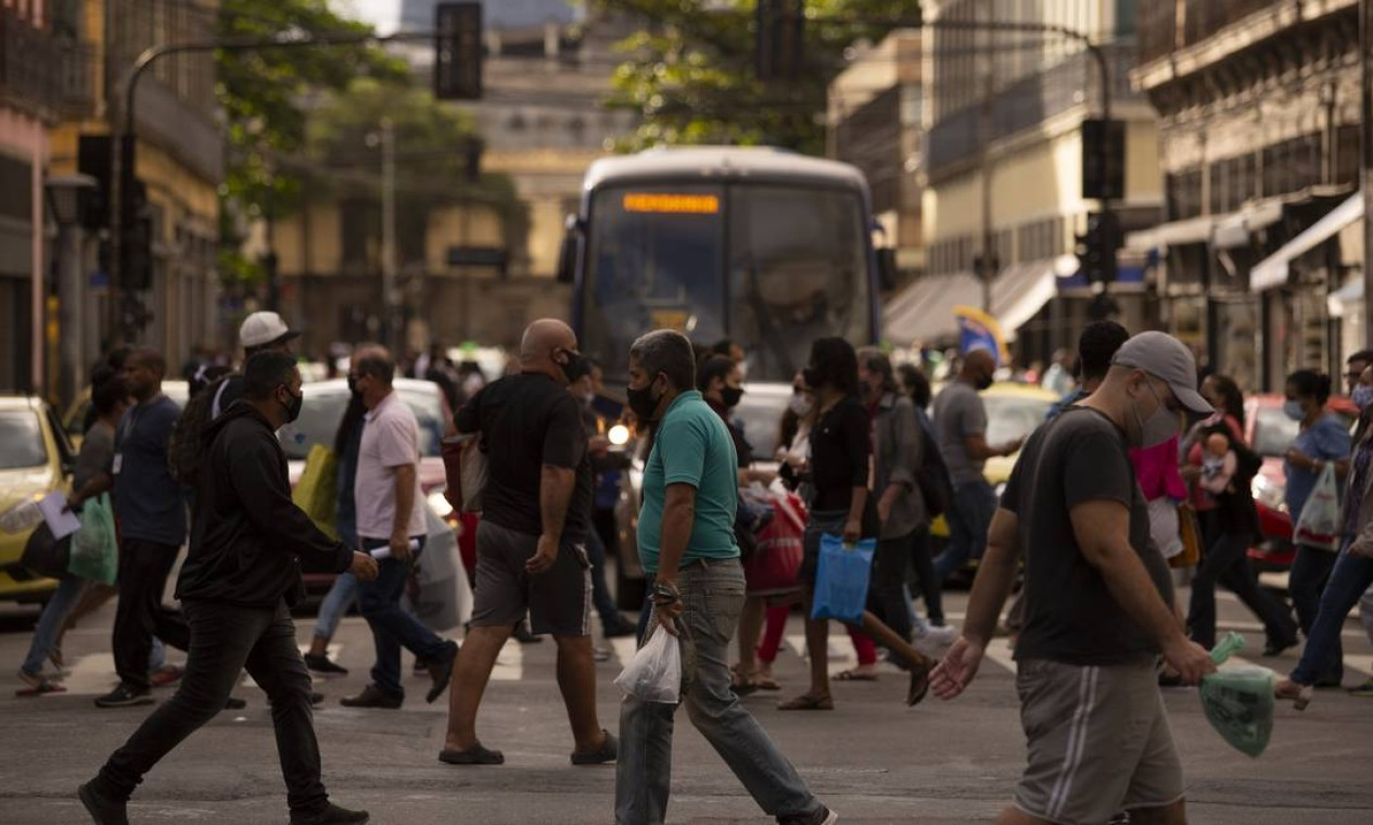 """Índice de transmissão na cidade aumentou, passando de 1,14 para 1,18 o valor """"R"""", como é chamado pelo especialistas Foto: Gabriel Monteiro / Agência O Globo"""