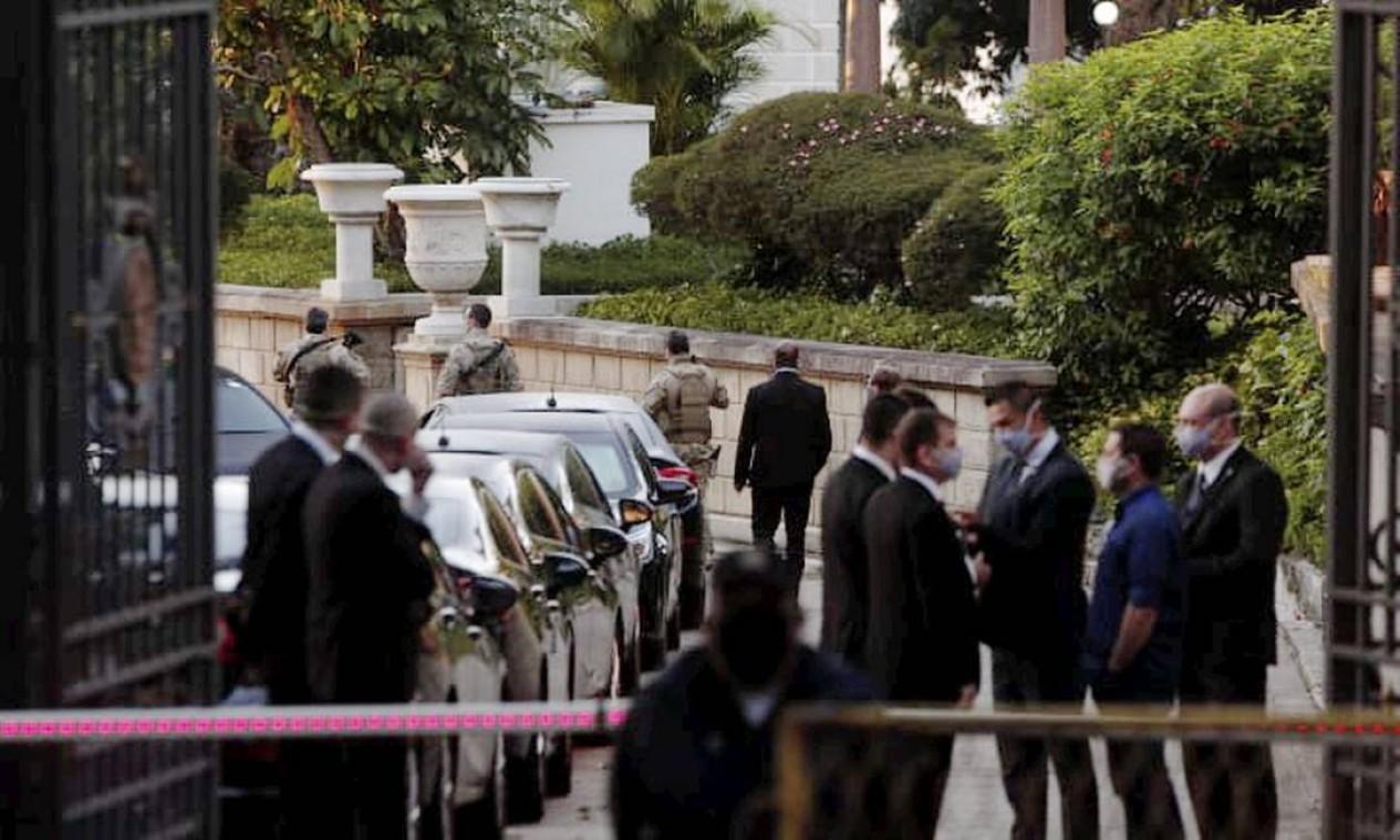 Polícia Federal realiza buscas no Palácio das Laranjeiras, sede de governo do Estado Foto: Gabriel Monteiro / Agência O Globo
