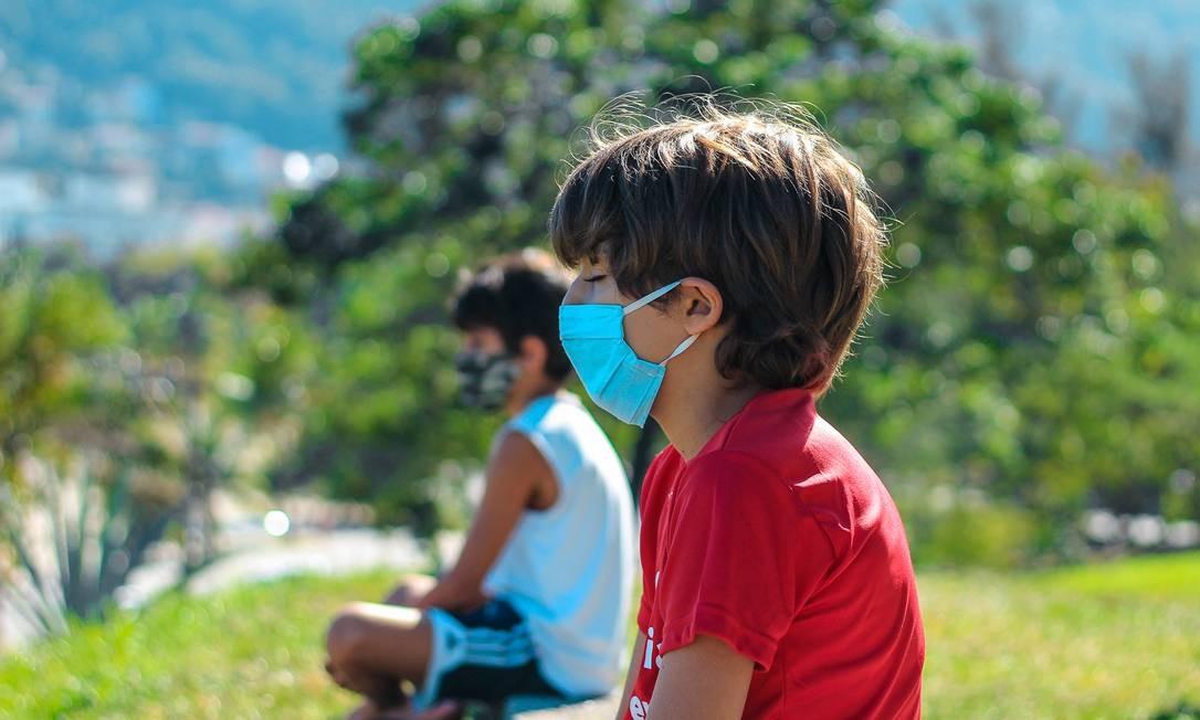 Para brincar e se acalmar. A meditação ao ar livre faz parte das atividades oferecidas no projeto Alegra Bem Viver Foto: Divulgação