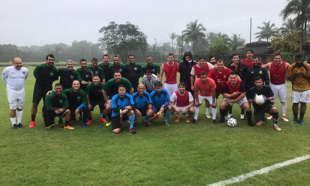 O futebol pré-Covid de Flávio Bolsonaro Foto: Coluna Guilherme Amado / Agência O Globo