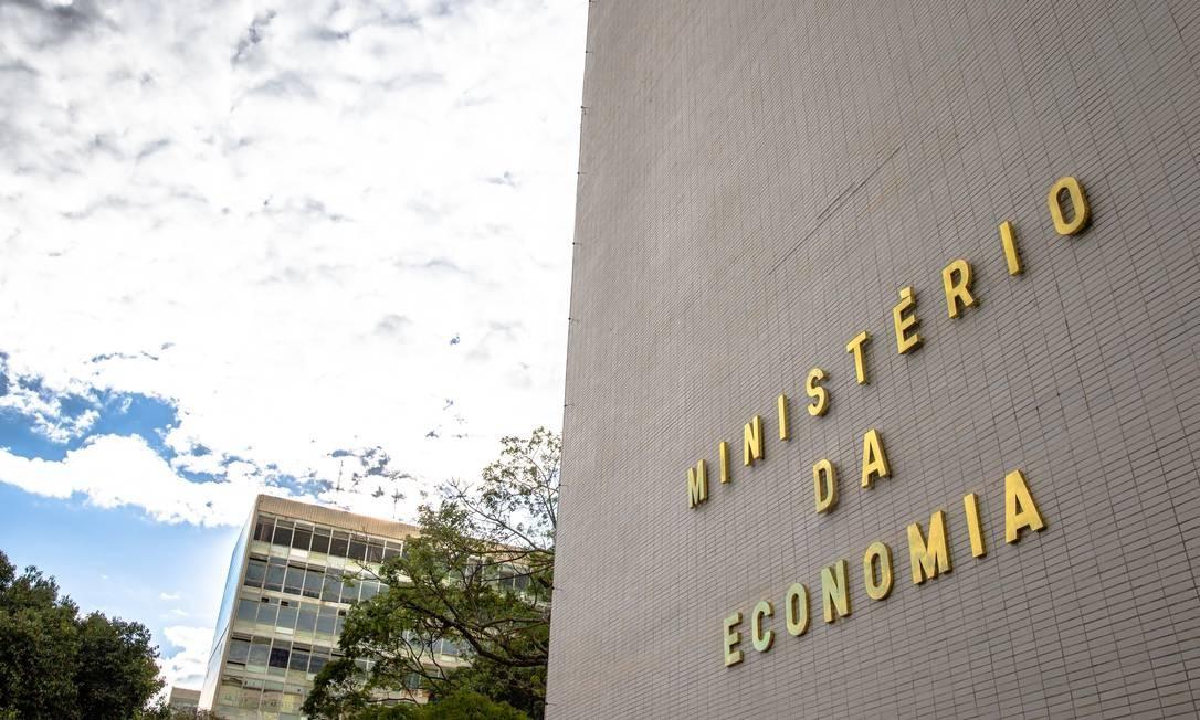 Fachada do Ministério da Economia. Governo prevê que rombo nas contas em 2020 irá ficar próximo de R$ 800 bilhões Foto: Hoana Gonçalves / Ministério da Economia