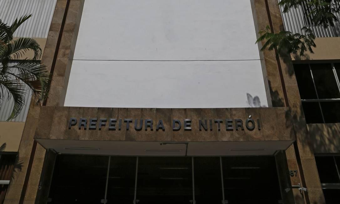 Sede da prefeitura: confirmação de candidatos a prefeito começa amanhã, com o início das convenções. Foto: Fábio Rossi / Agência O Globo
