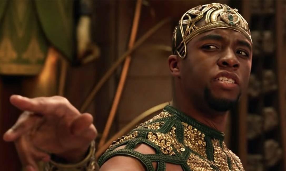 """Boseman no papel de Thoth, o Deus da Sabedoria, em """"Deuses do Egito"""" (2016) Foto: Divulgação"""