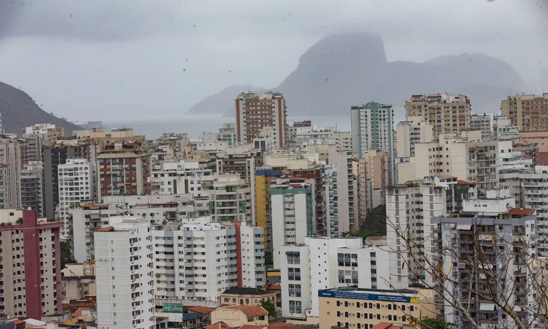 A falta de interesse dos condôminos pode gerar problema no caixa Foto: Roberto Moreyra/29-7-2020 / Agência O Globo