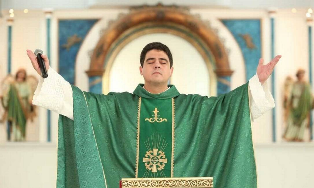 Padre Robson de Oliveira Pereira é investigado por crimes como lavagem de dinheiro e associação criminosa Foto: Divulgação Afipe