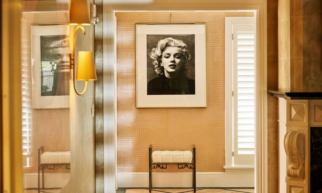 Decoração do bangalô número 1, a suite favorita de Marilyn Monroe no Beverly Hills Hotel, que crisou um pacote especial inspirado na atriz Foto: Reprodução