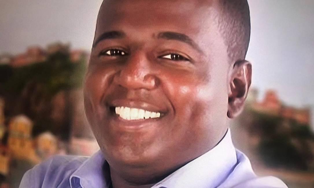 Marcos Paulo de Oliveira Luciano, contratado desde 2017, para atuar no gabinete do prefeito ganha salário de cerca de R$ 10 mil, segundo reportagem da TV Globo Foto: TV Globo / Reprodução