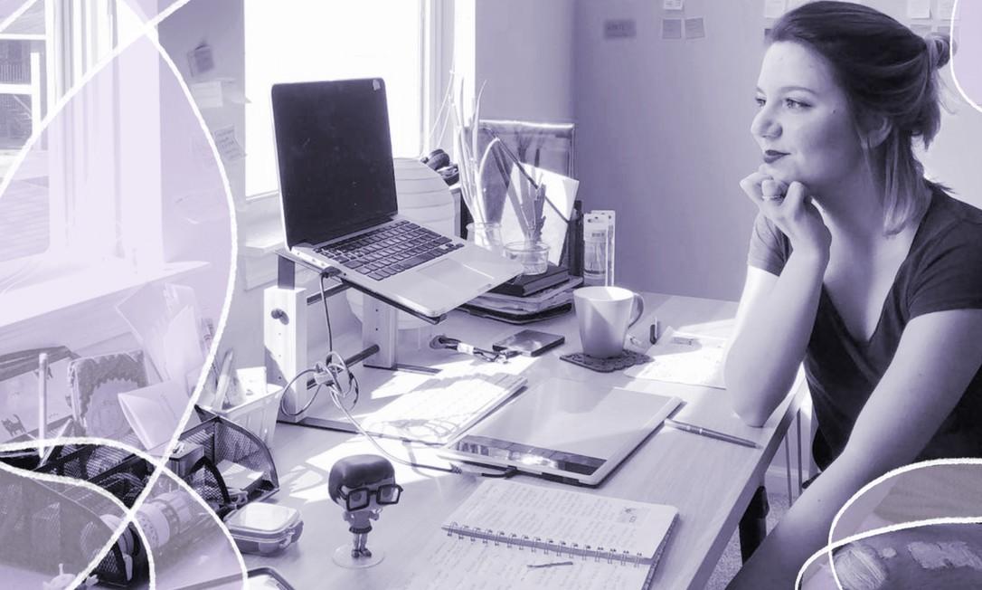 Em sua rotina de trabalho, a quadrinista Ivana Amarante Bombana, que faz ilustrações sobre os desafios da mulher adulta no Dilemas da Ivana Foto: Arquivo Pessoal / Arquivo Pessoal