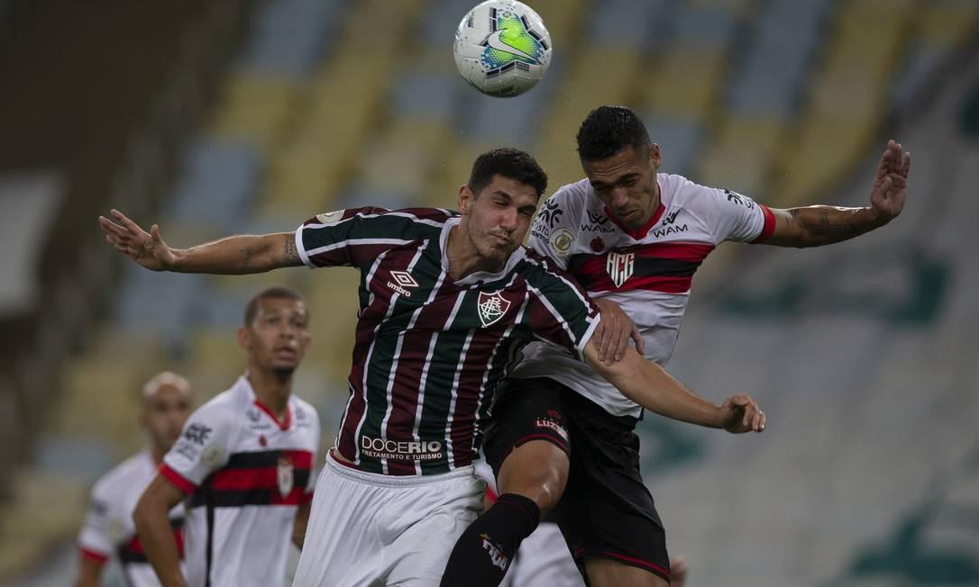 Nino não conseguiu impedir o gol de empate do Atlético-GO Foto: Alexandre Cassiano