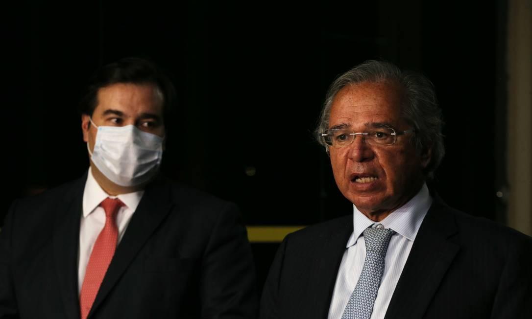 O ministro da Economia, Paulo Guedes, e o presidente da Câmara, Rodrigo Maia Foto: Jorge William / Agência O Globo