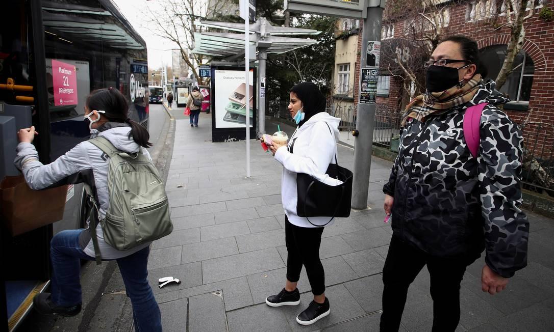 Uso de máscara nos transportes públicos é obrigatório na Nova Zelândia Foto: Fiona Goodall / Reuters