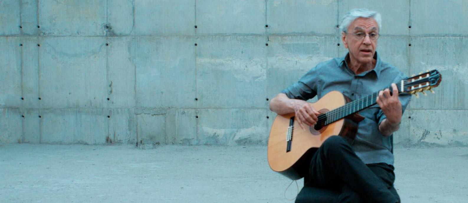 Caetano Veloso em cena do documentário 'Narciso em férias' Foto: Divulgação