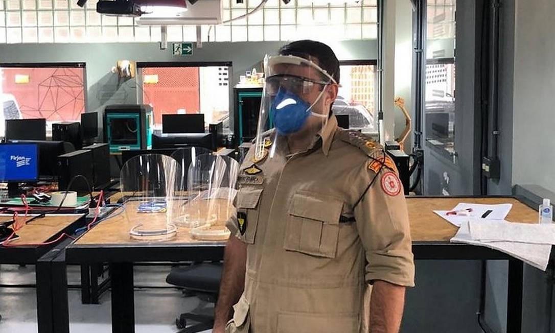 O Corpo de Bombeiros está entre as instituições beneficiadas pelo Face Shield Nova Friburgo Foto: Face Shield Nova Friburgo