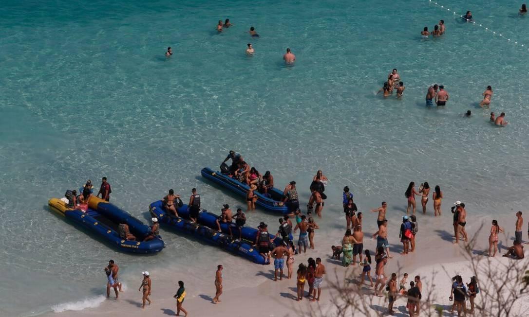 O objetivo é fazer com que um dos principais pontos turísticos da Região dos Lagos e do Rio entre no programa internacional Bandeira Azul Foto: Fabiano Rocha / Agência O Globo
