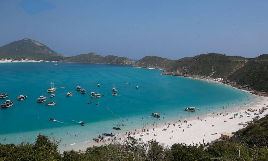 O programa internacional Bandeira Azul, que concede certificados para as praias e os balneários mais preservados do planeta Foto: Fabiano Rocha / Agência O Globo