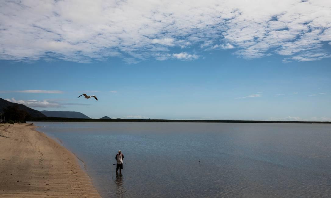 Praia quase vazia em Cairns, na Austrália: antes, era repleto de turistas Foto: Natalie Grono/The New York Times / NYT